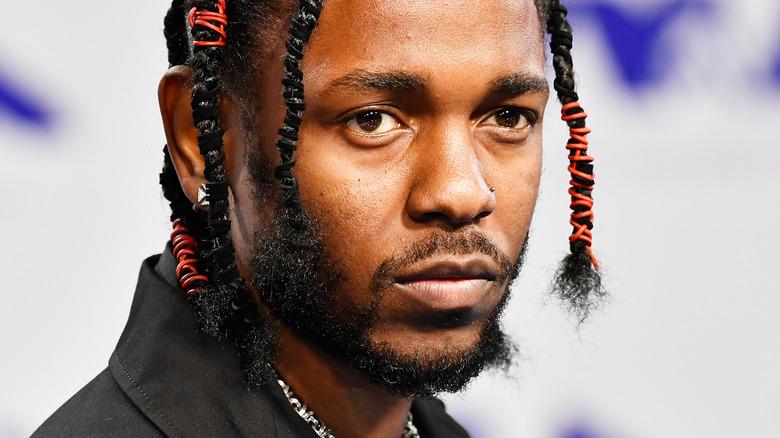 Kendrick Lamar wearing braids