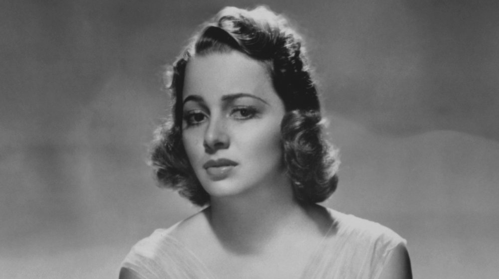 Black-and-white photo of Olivia de Havilland, taken in 1938