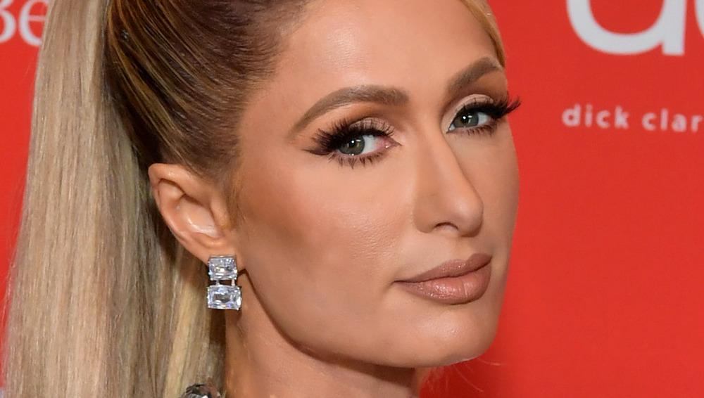 Paris Hilton posing in ponytail