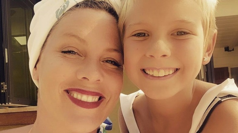 Pink posing with daughter