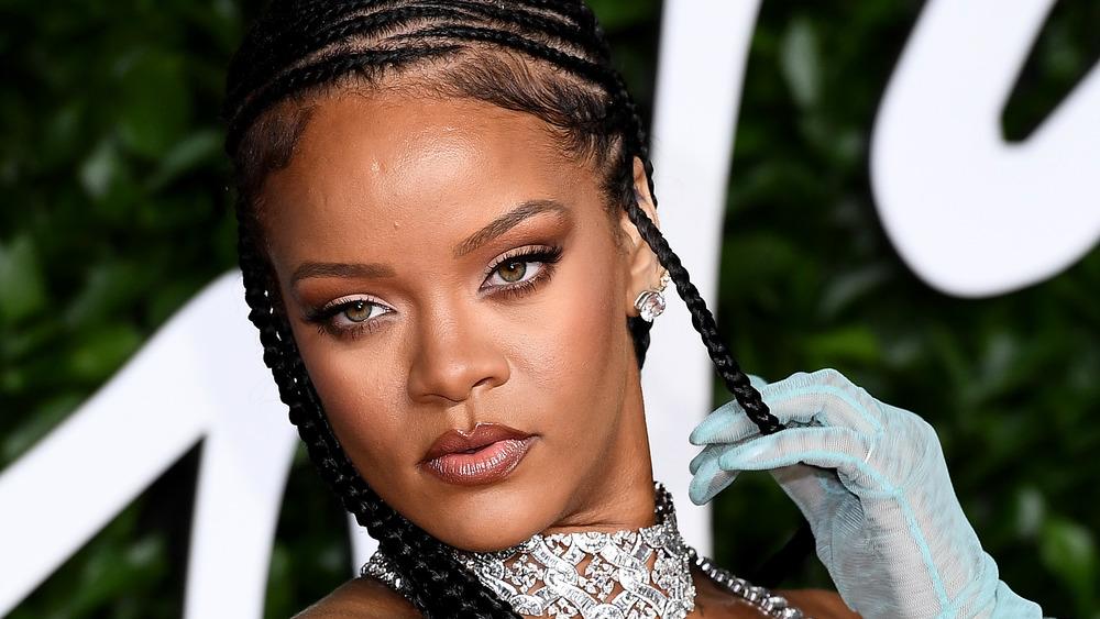 Rihanna posing on the red carpet