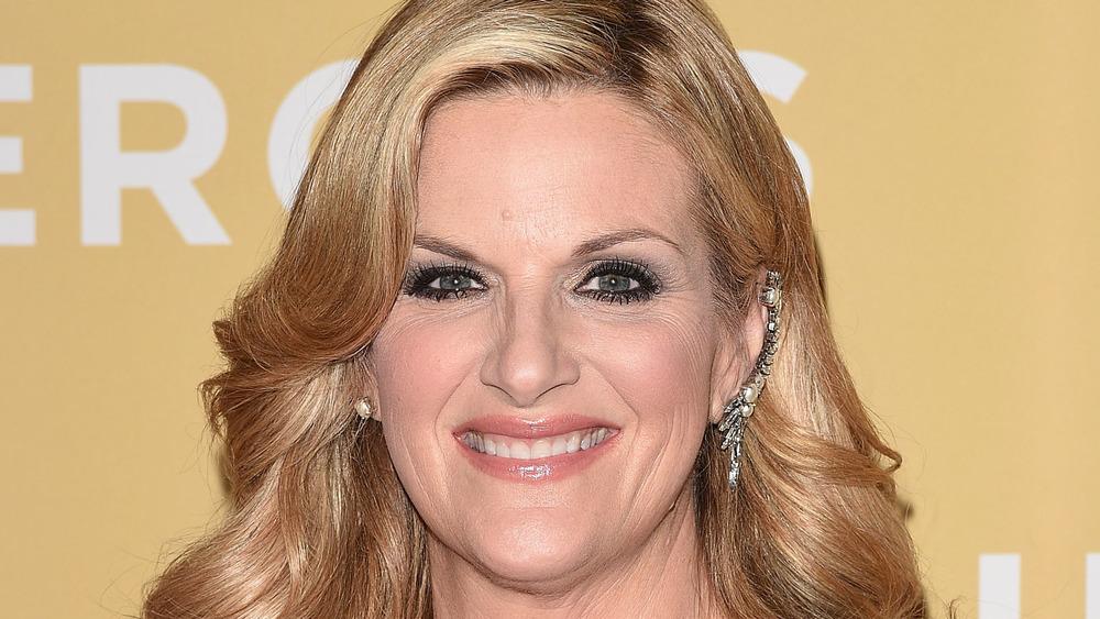 Trisha Yearwood smiling on the red carpet