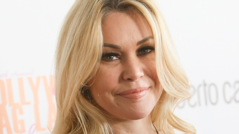 Shanna Moakler posing at a red carpet event