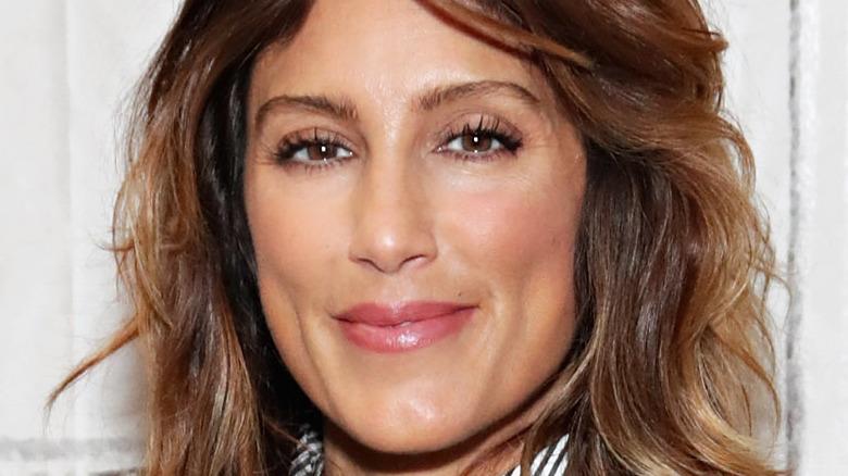Jennifer Esposito smiling