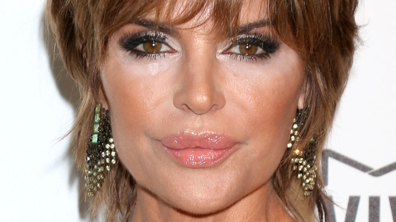 Lisa Rinna pouting on the red carpet