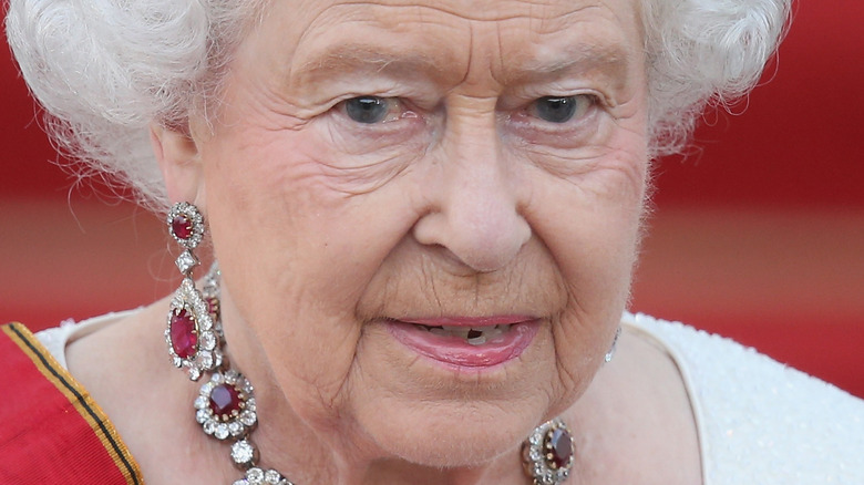 Queen Elizabeth, posing