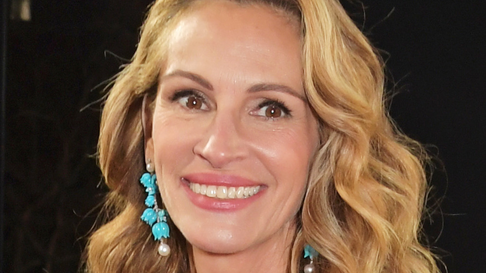 Julia Roberts wearing turquoise earrings on the red carpet