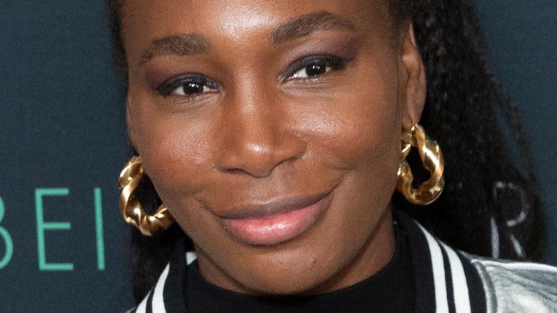 Venus Williams smirks on the red carpet