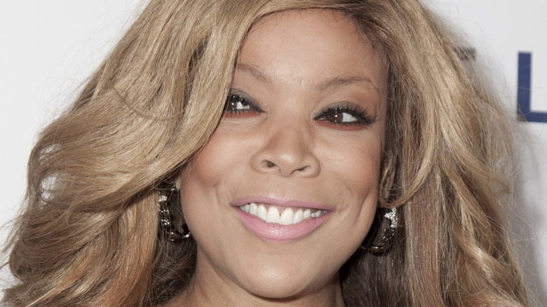 Wendy Williams smiles on red carpet