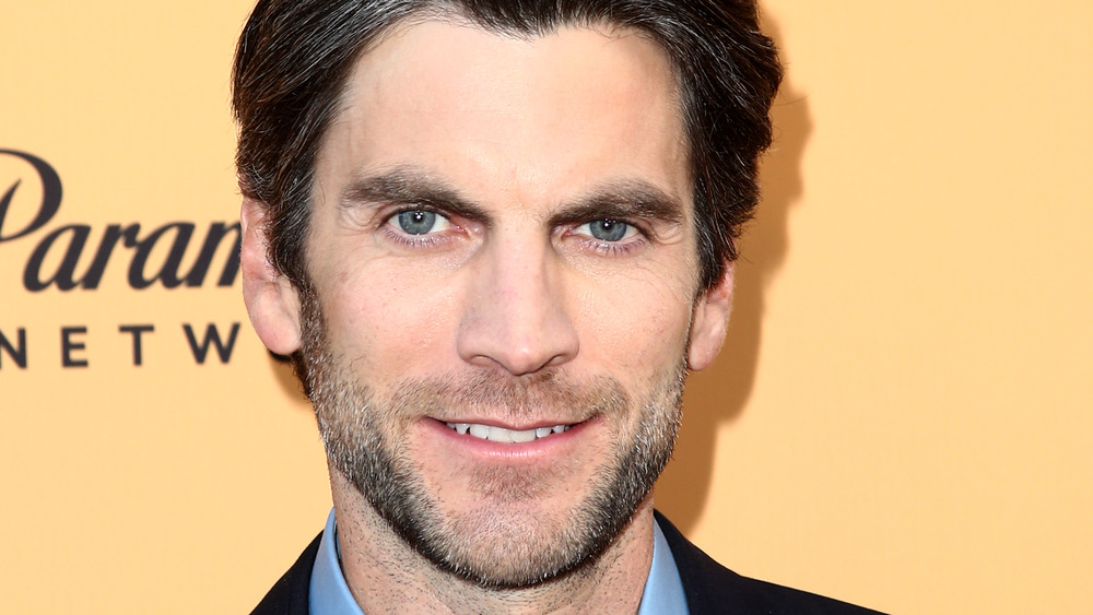 Wes Bentley smiling on the red carpet