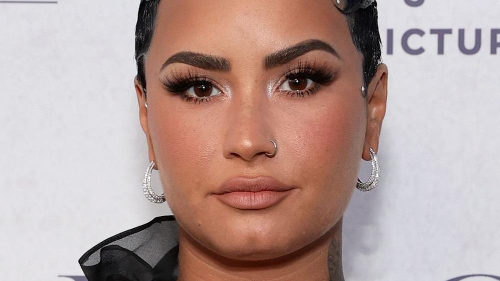 Demi Lovato, red carpet