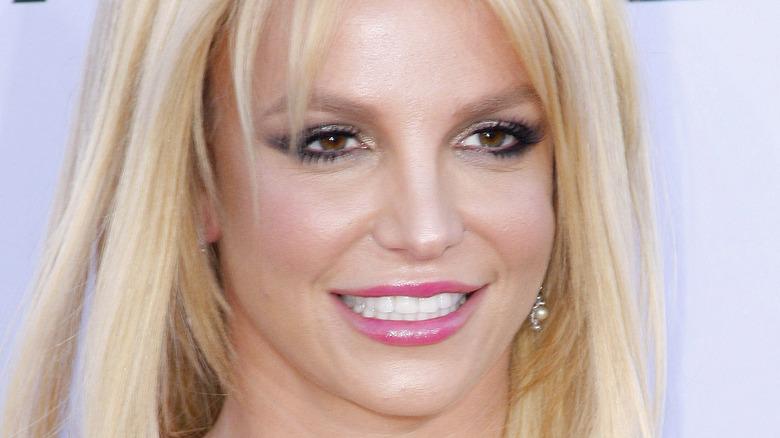 Britney Spears pink lipstick
