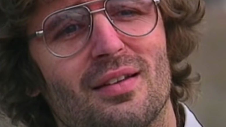David Koresh poses in a 1970s-style glasses