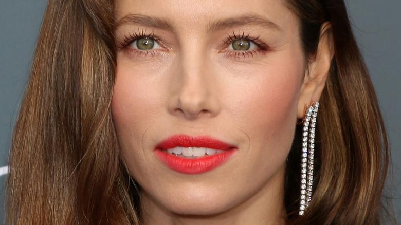 Jessica Biel red lipstick