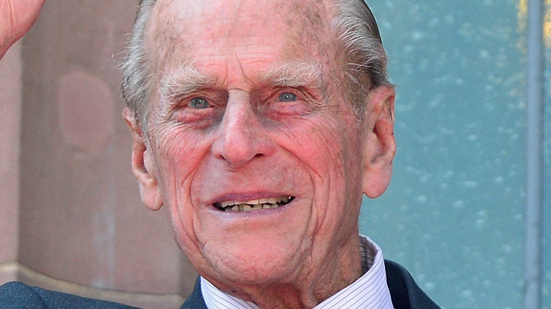Prince Philip wavig