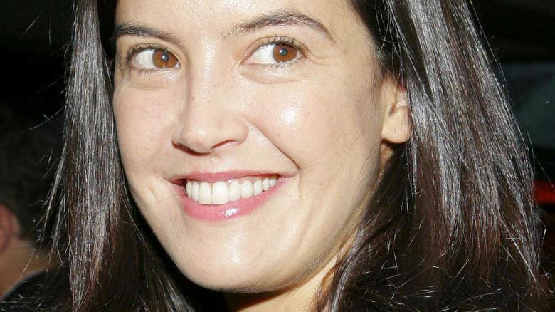 Phoebe Cates smiling