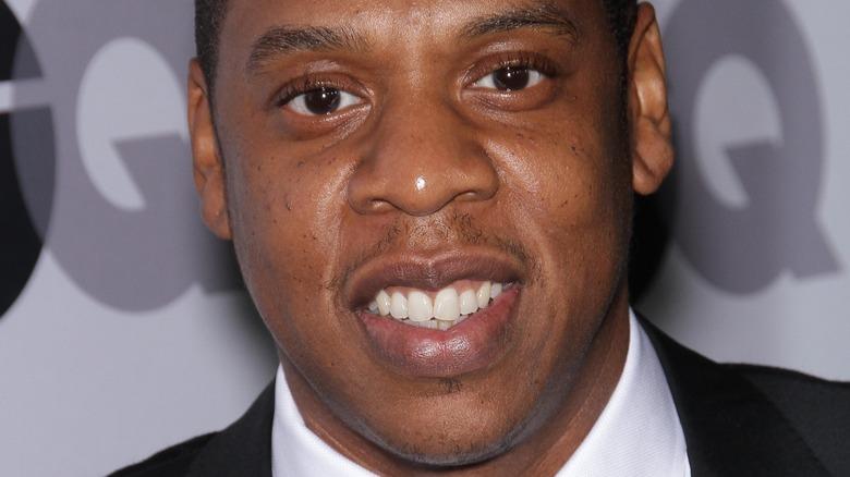 Jay-Z posing