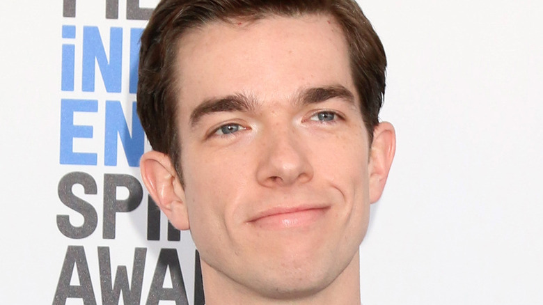 John Mulaney at the 32nd Annual Film Independent Spirit Awards in 2017