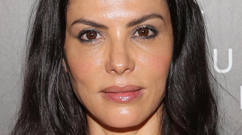 Adriana de Moura dark hair