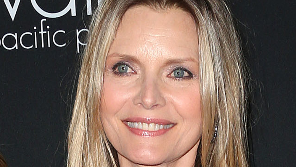 Dedee and Michelle Pfeiffer, red carpet