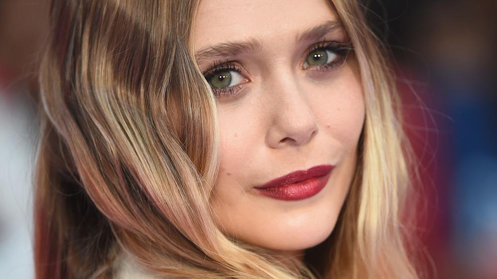 Elizabeth Olsen posing red carpet