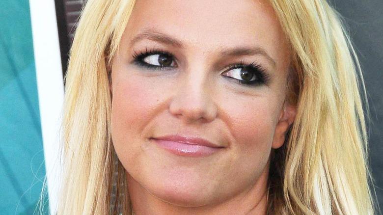 Britney Spears eyelashes