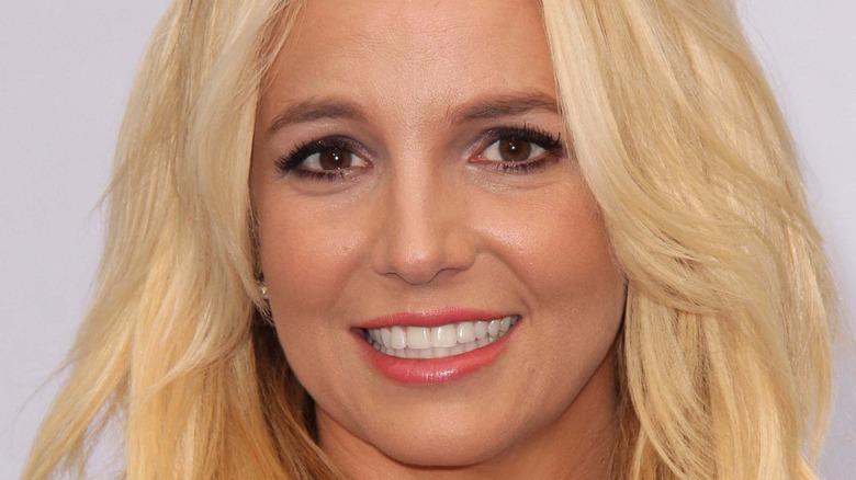 Britney Spears blond hair