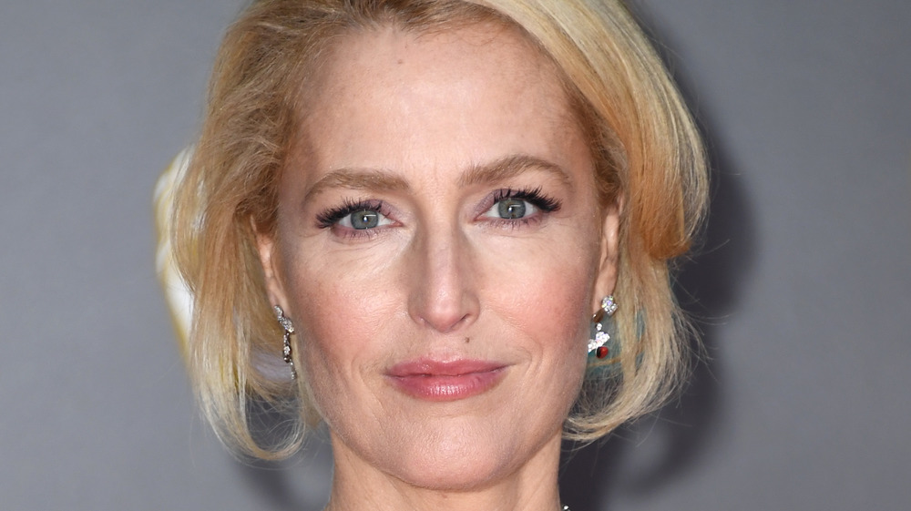 Gillian Anderson posing at an event