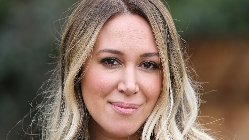 Haylie Duff looking at the camera
