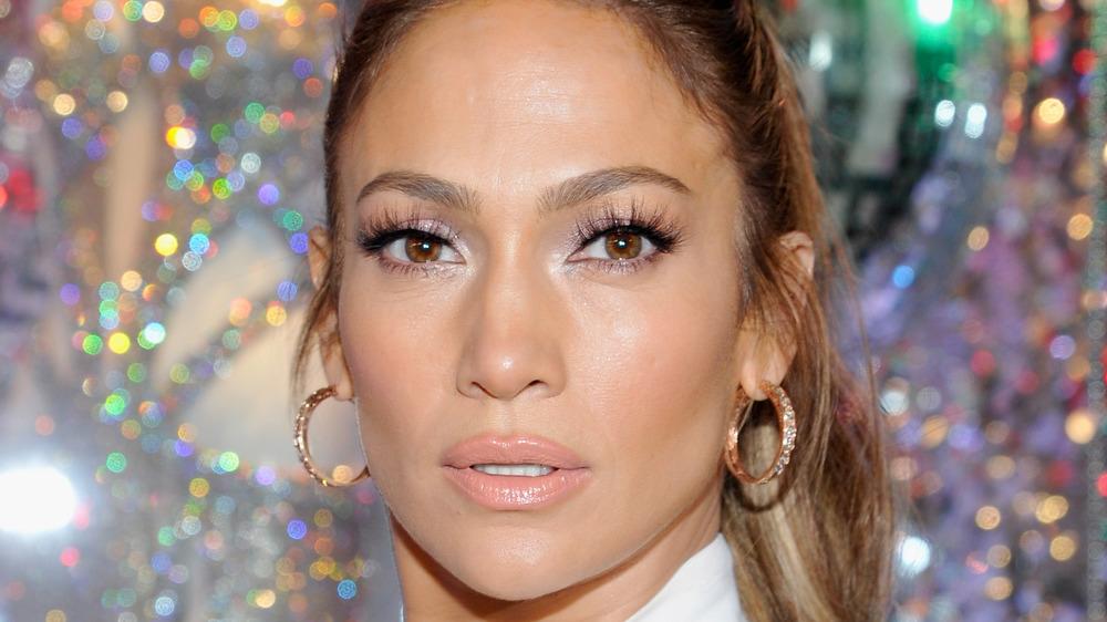Jennifer Lopez with nude lip