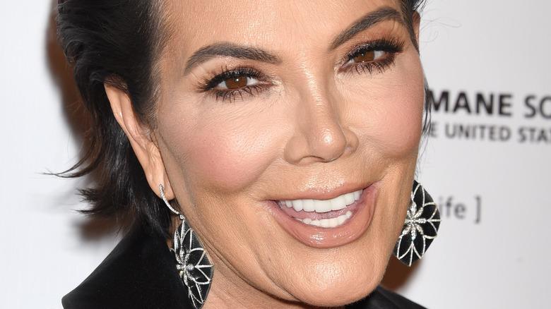Kris Jenner flower earrings