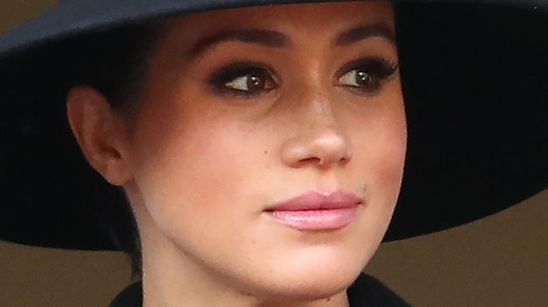 Meghan Markle black hat