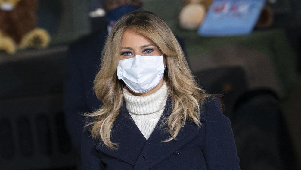 Melania Trump with a mask