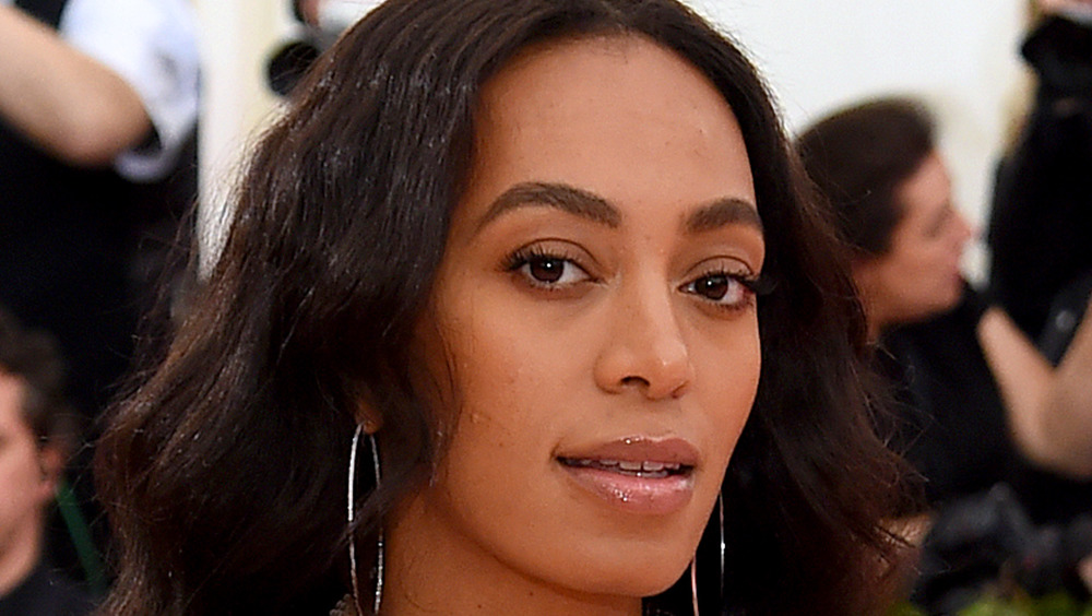 Solange Knowles posing for camera