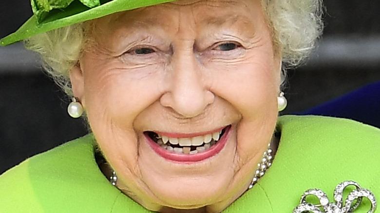 Queen Elizabeth teeth