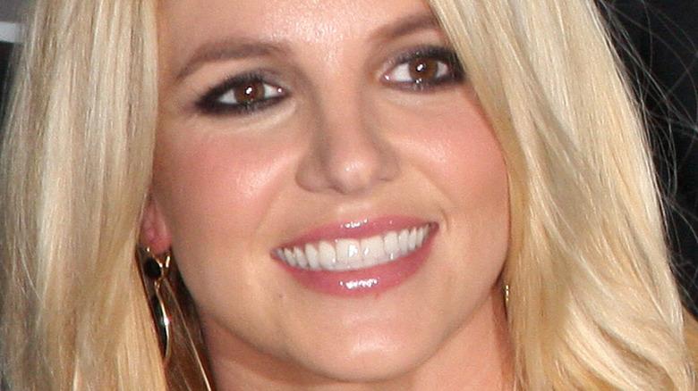 Britney Spears black eyeliner