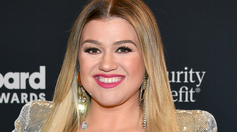 Kelly Clarkson at the 2020 Billboard Music Awards