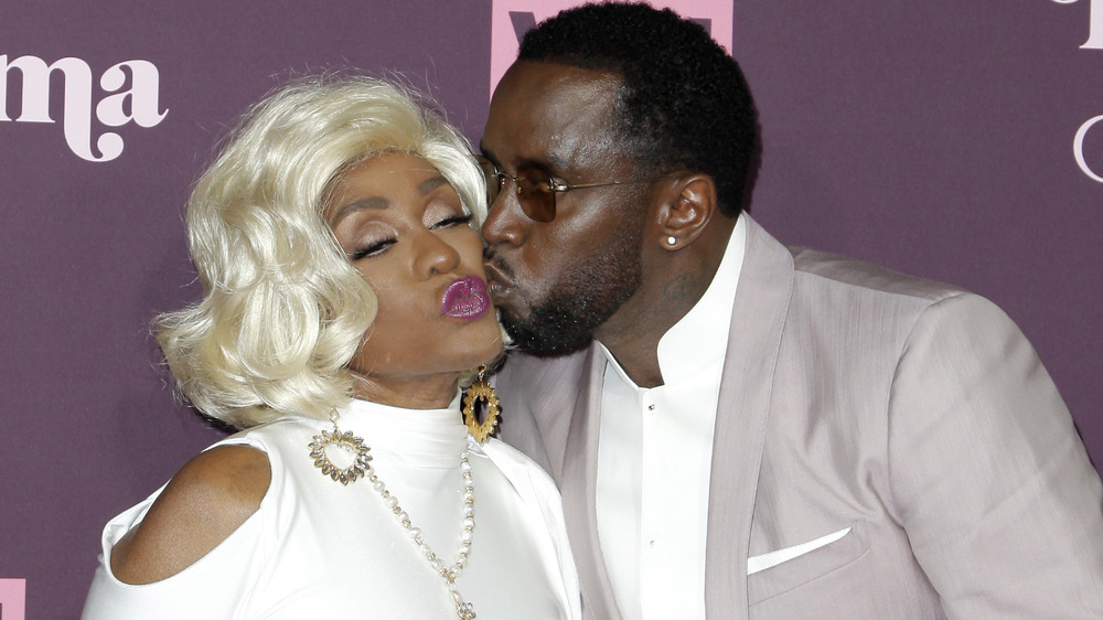 Diddy kissing his mom Janet Combs